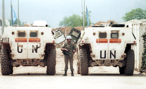 UN peacekeepers at Sarajevo airport in 1993, during the siege of Sarajevo. Photo by Mikhail Evstafiev, CC 3.0